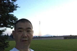 秋田県横手市十文字町から見る夕暮れの鳥海山